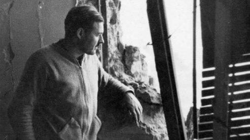"Ernest Hemingway during the Spanish Civil War. | ""Hemingway, Journalism and War"""
