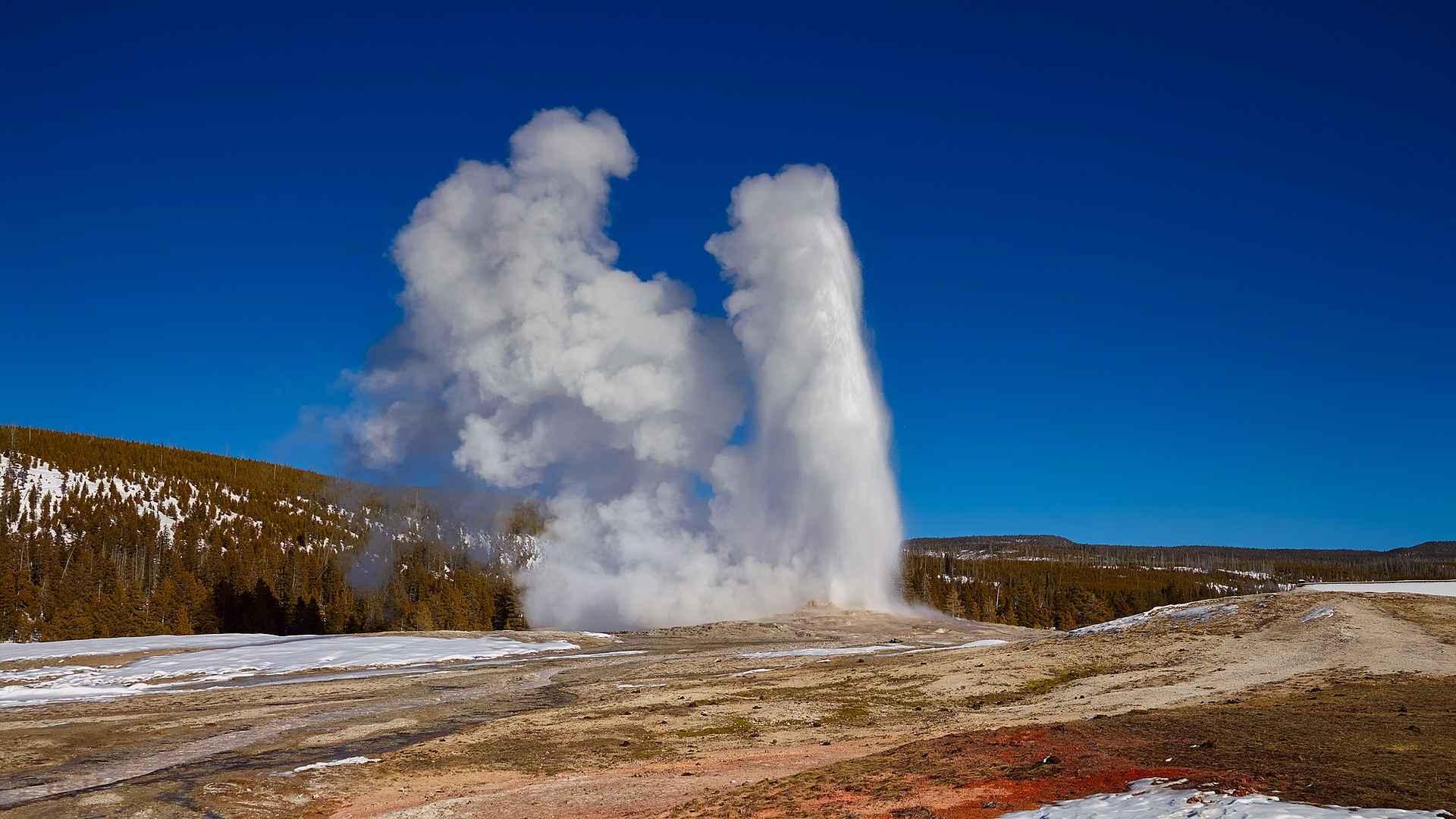 Yellowstone 2230518 1920 resized
