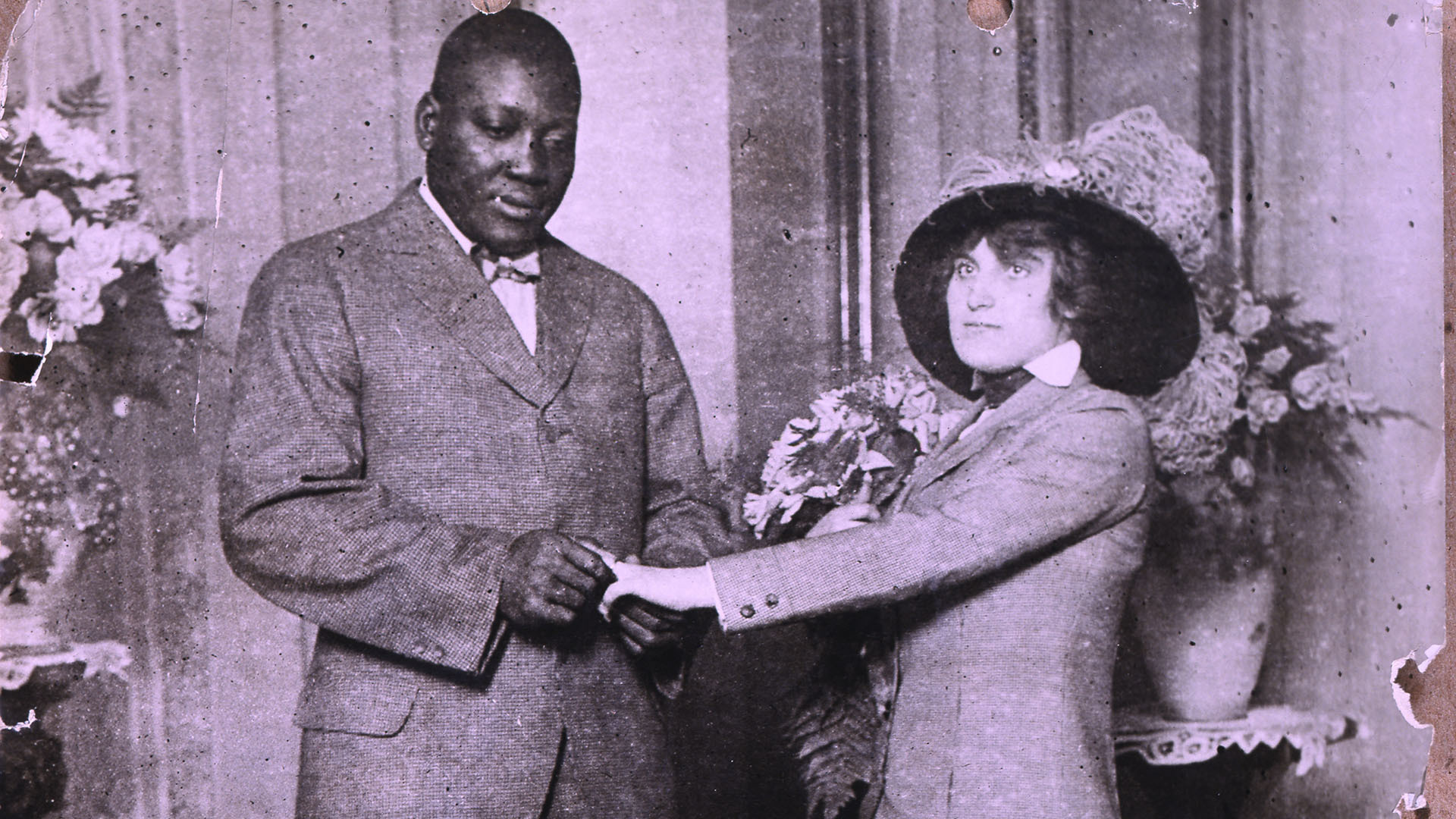 Jack Johnson marries Lucille Cameron in 1912.